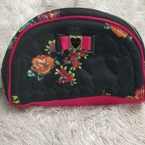 Betsey Johnson makeup bag like new condition